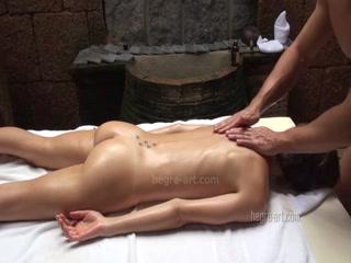 Эротический секс-массаж со зрелыми русскими женщинами и мужчинами дома