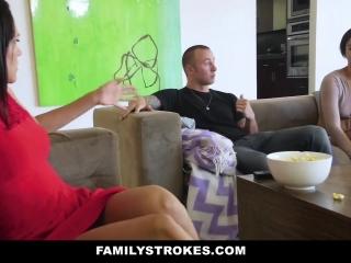 Смотреть порно видео инцест с мамой и сыном